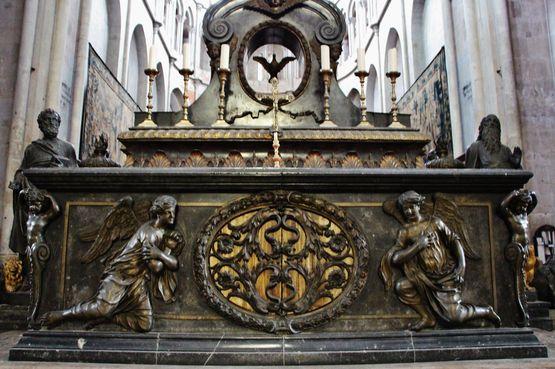 maître-autel : face antérieure