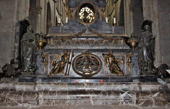 Maître autel face arrière