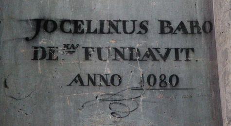 inscription rappelant la translation des reliques