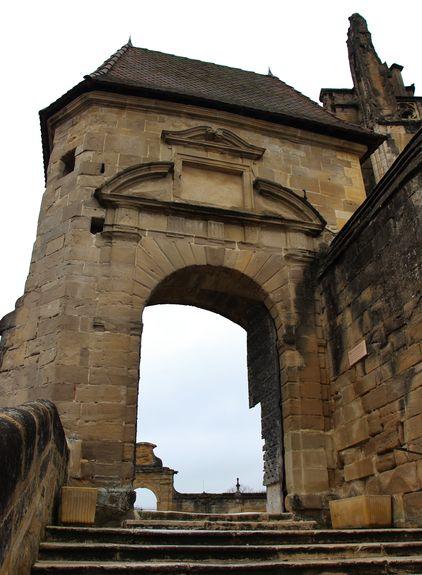 Porte du parvis