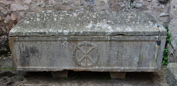 Sarcophage antique - la sainte tombe