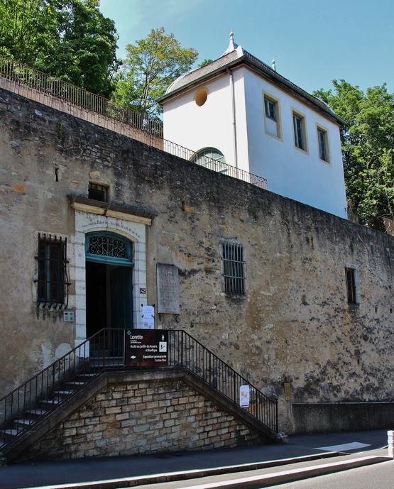 Entrée chapelle Sainte-Philomène