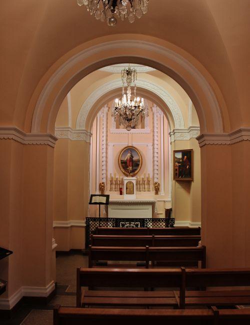 Intérieur de la chapelle Sainte Philomène