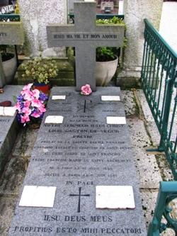 Pluneret - tombe de Mgr de Ségur