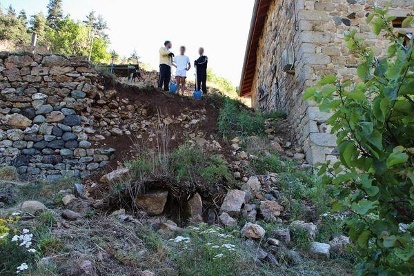 Camp-chantier Saint Constantin - dégagement de l'éboulis
