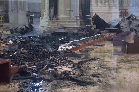 intérieur de la cathédrale de Nantes après l'incendie