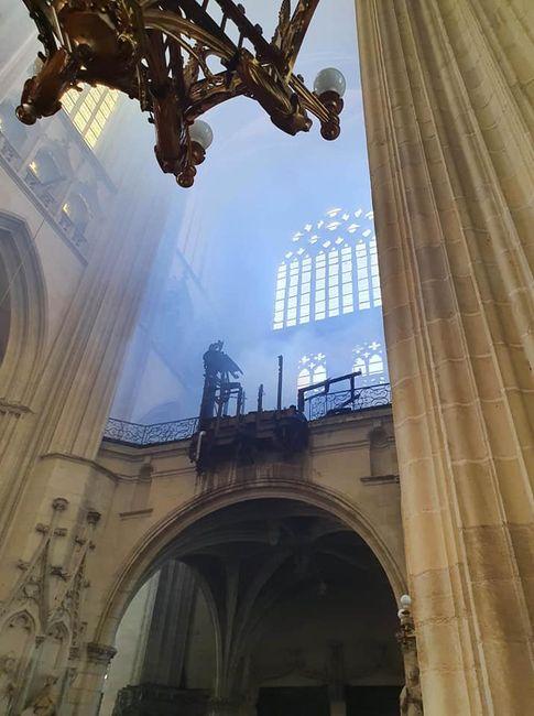 Tribune du Grand Orgue de la cathédrale de Nantes après l'incendie