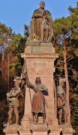 Monument comte de Chambord