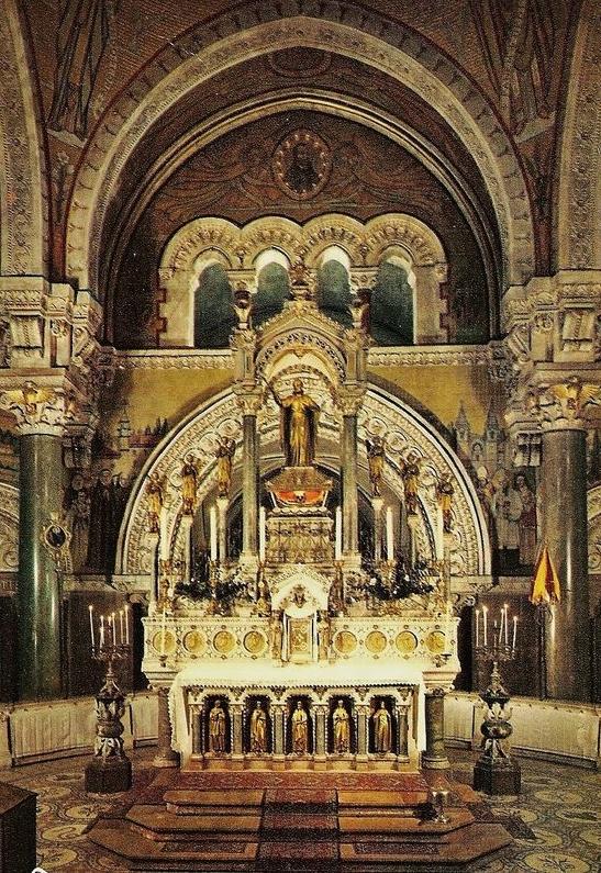Basilique de La Louvesc - le Maître-autel avant la réforme liturgique