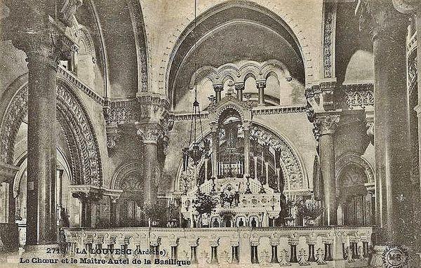 Basilique de la Louvesc - le maître-autel et la table de communion