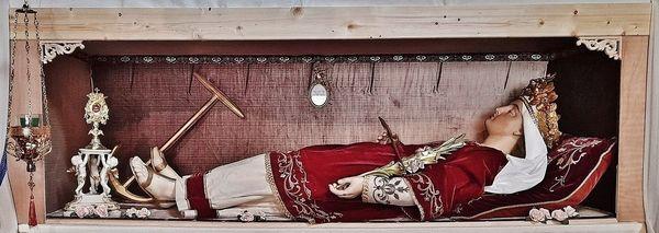 nouvelle présentation châsse Sainte Philomène